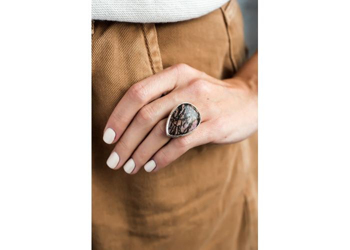 Кольцо с каплей родонита // серебро
