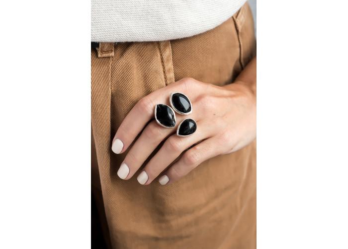 Кольцо со шпинелью, обсидианом и овальным чёрным агатом // серебро