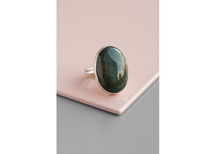 Кольцо с овальной зелёной яшмой // серебро