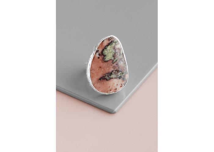 Кольцо с каплей яшмы // серебро