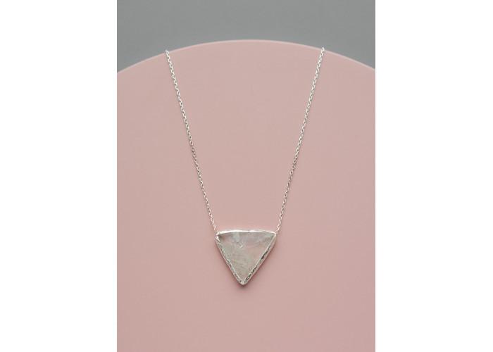 Подвеска с треугольным кварцем // серебро