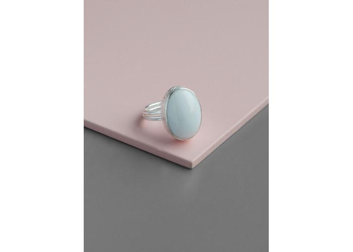 Кольцо с овальным белым агатом // серебро