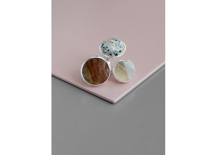 Кольцо с пегматитом и агатами // серебро