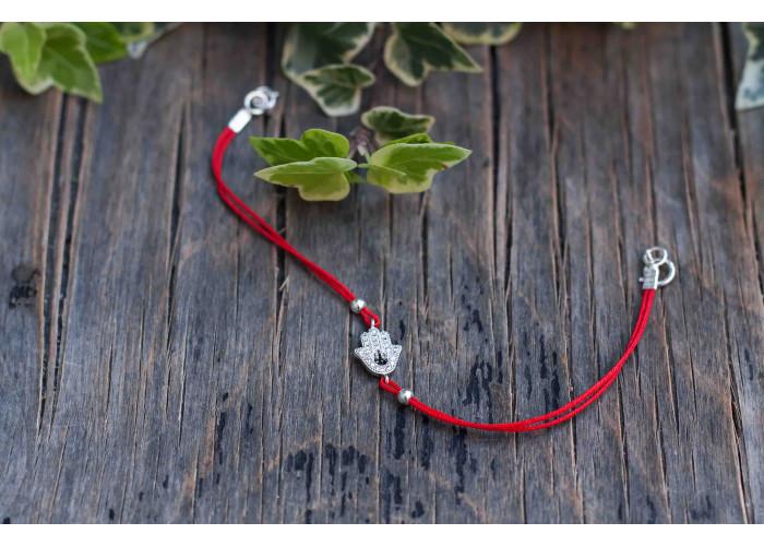 браслет на красной нити с хамсой из фианитов // серебро