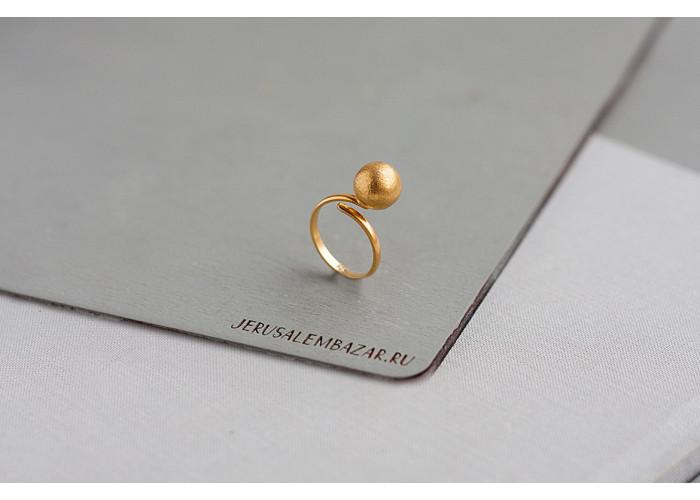 кольцо с одним шариком // позолота