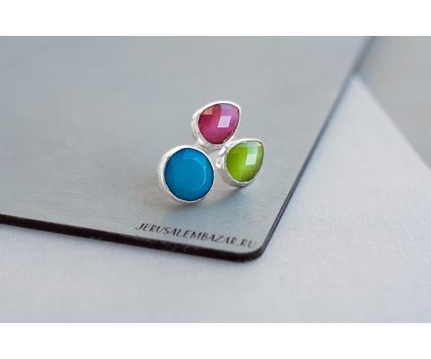 кольцо с тремя камнями в серебре
