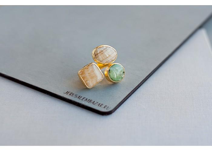 кольцо с кальцитом и везувианом // позолота