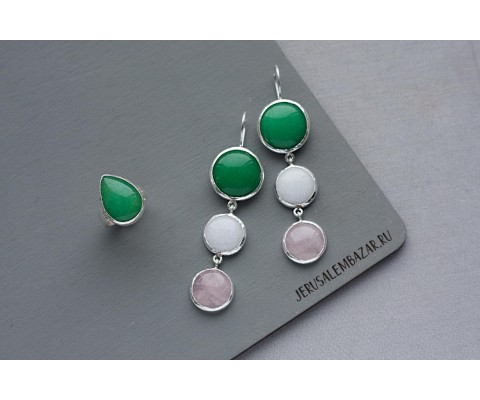 комплект: кольцо с агатом и сережки с зеленым, белым агатом и розовым кварцем  // серебро
