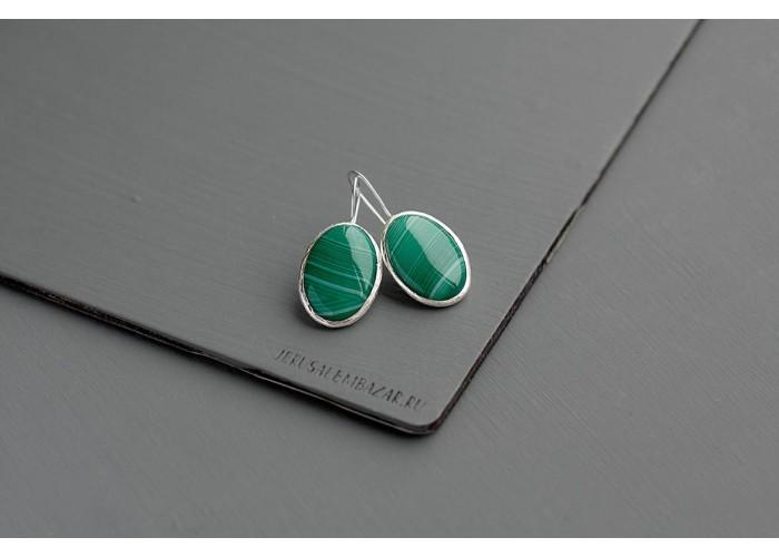 серёжки овальные с зелёным агатом // серебро