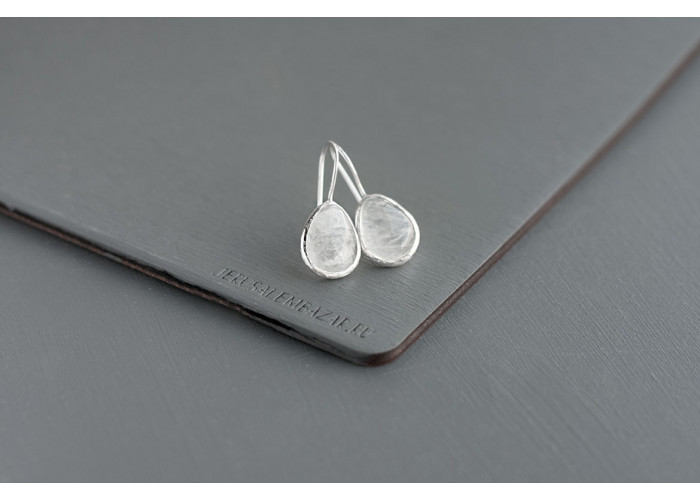 серёжки с каплей горного хрусталя // серебро