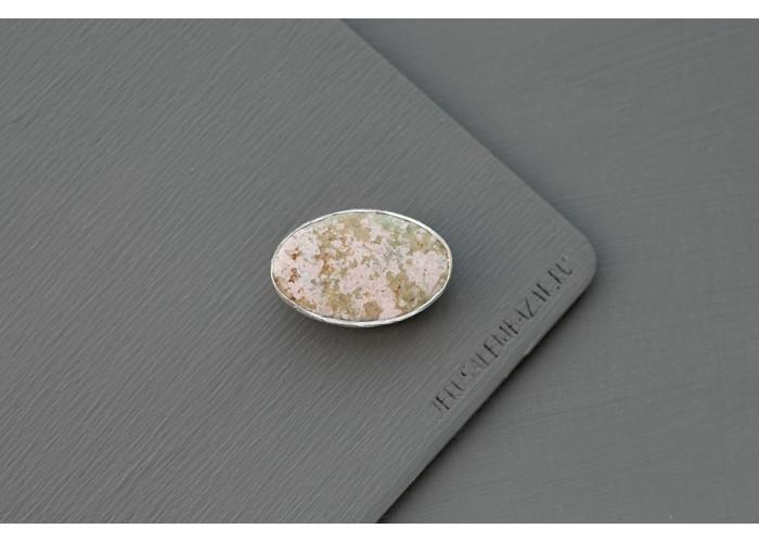 брошь овальная с пьемонтитом // серебро