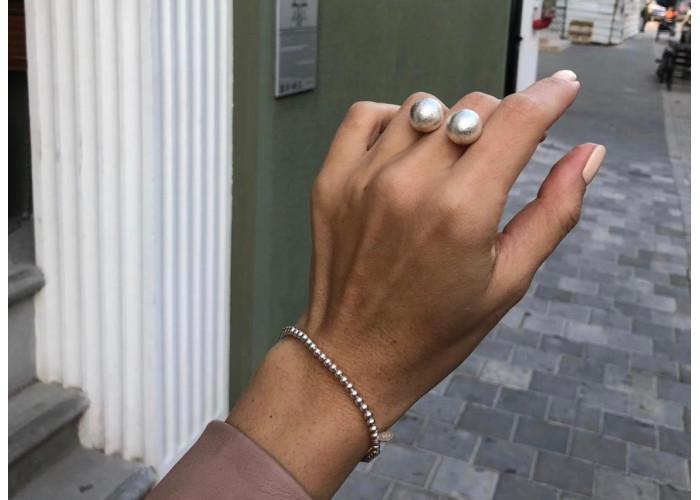 Кольцо с двумя шариками // серебро