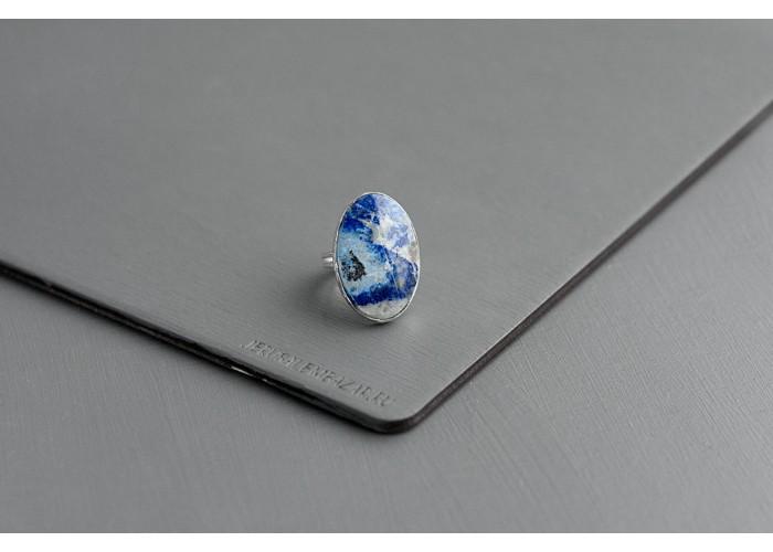 кольцо овальное с лазуритом // серебро