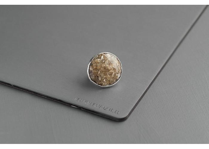 кольцо круглое с жильбертитом // серебро