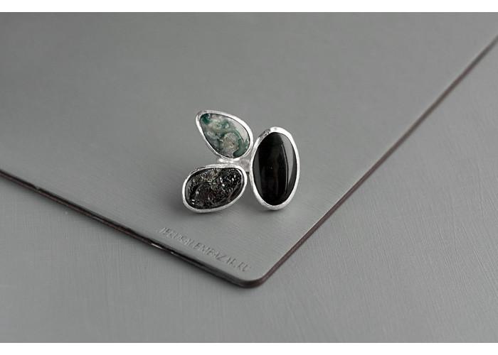 кольцо с чёрным агатом, гематитом и яшмой // серебро