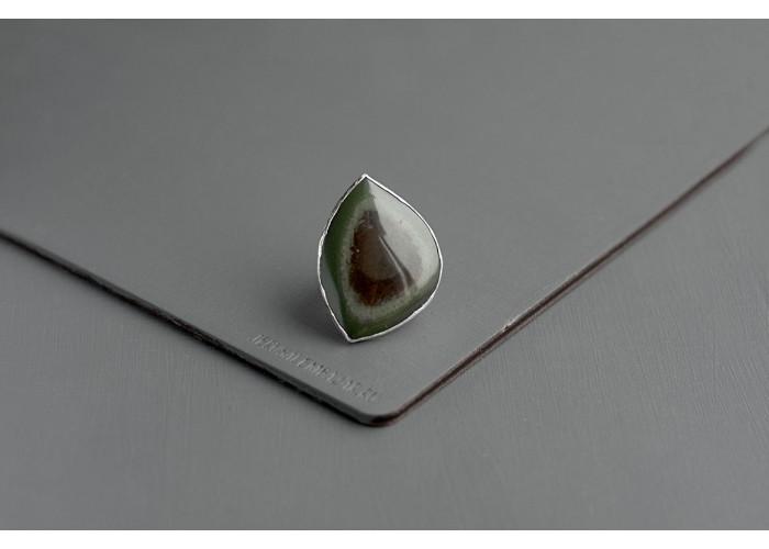 Кольцо с листиком офиокальцита // серебро