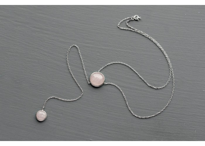 сотуар с кругами из розового кварца // матовое покрытие