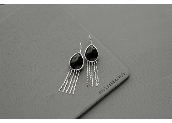 серёжки с каплей чёрного агата и бахромой // серебро