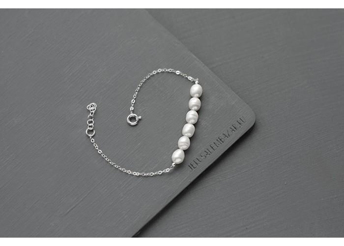 браслет на цепочке с бусинами из речного жемчуга // серебро