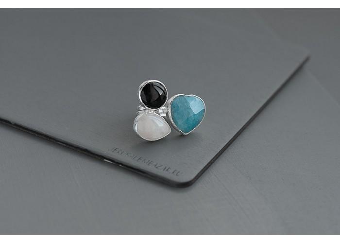 кольцо с сердечком из голубого кварца, чёрным агатом и розовым кварцем // серебро