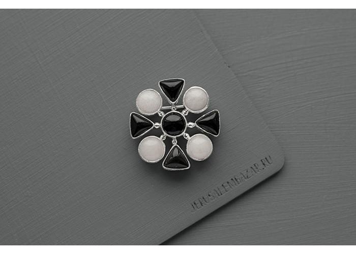 брошь с белым кварцем и чёрным агатом // серебро