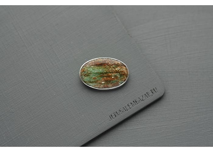 Брошь овальная с фукситом // серебро