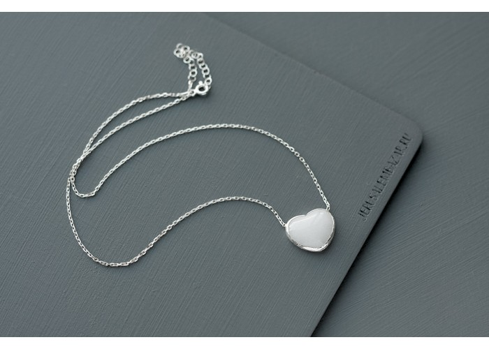 подвеска с сердечком из белого кварца // серебро