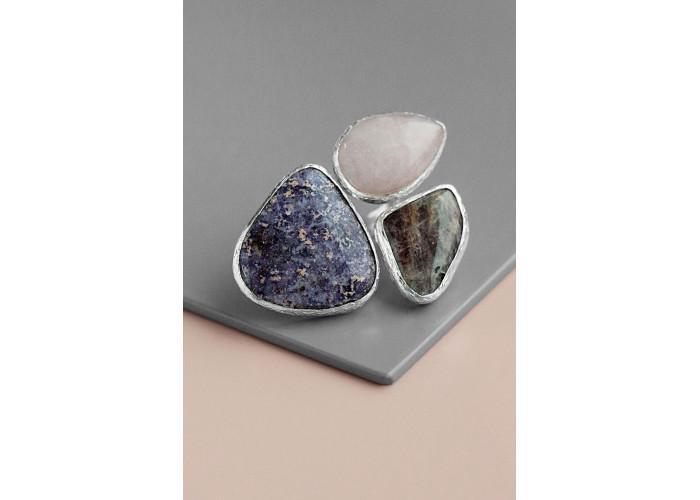 Комплект: серёжки с пегматитом и чароитом и кольцо с чароитом, кварцем и лунным камнем // серебро