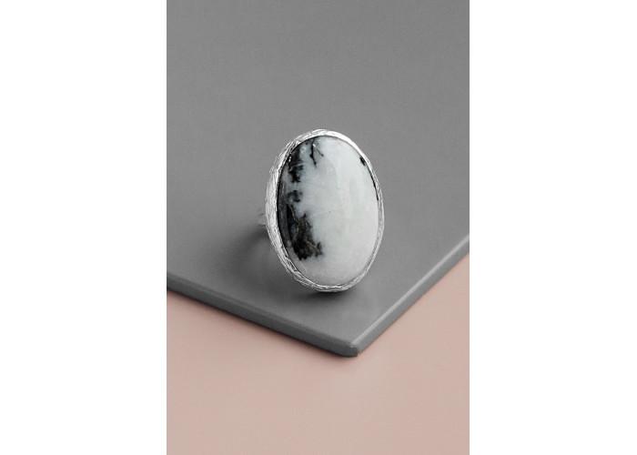 Кольцо с овальным мрамором // серебро