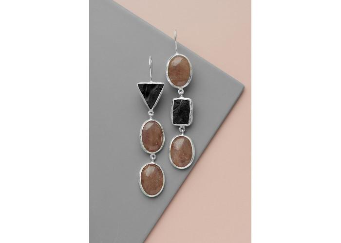 Серёжки с солнечным камнем и шпинелью // серебро