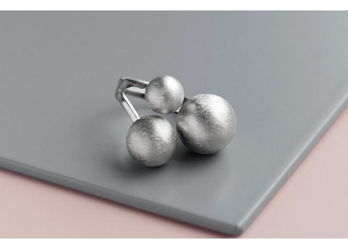 Кольцо с тремя шариками // серебро