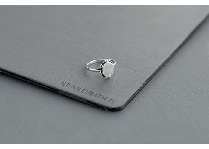 кольцо овальное с перламутром // серебро