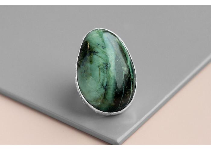 Кольцо овальное с крокодиловой яшмой // серебро