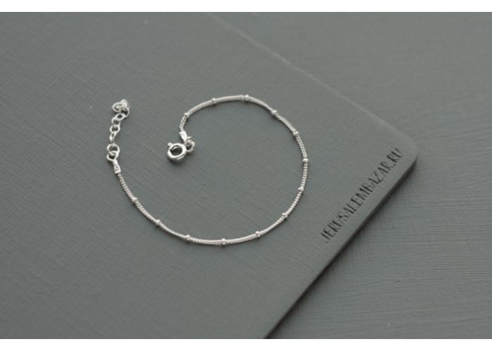 Комплект браслетов с серебряными бусинами // серебро