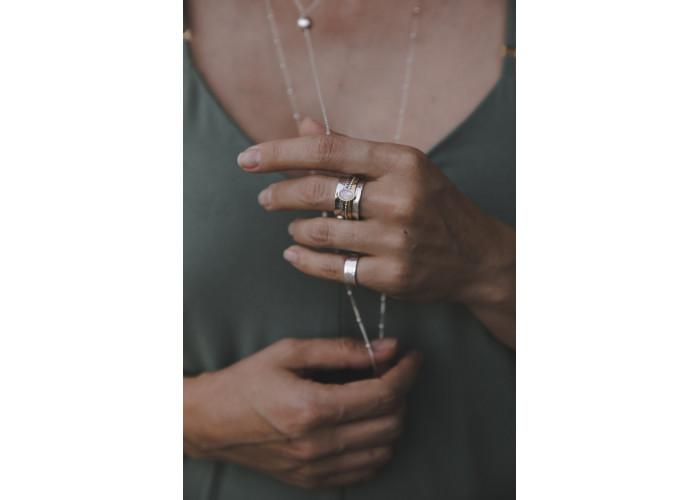 Кольцо-спиннер с лунным камнем // серебро с позолотой