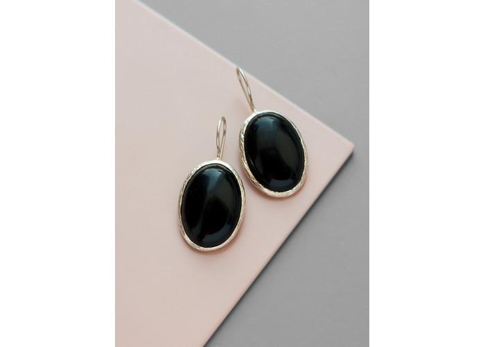 Серьги овальные с черным агатом // серебро