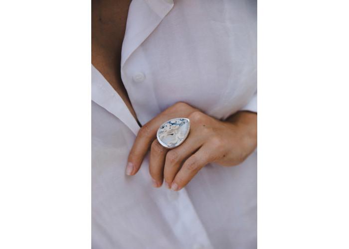 Кольцо с каплей туфа // серебро