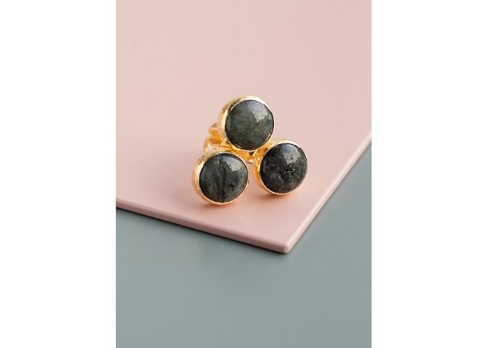 Кольцо с тремя камнями лабрадорита // позолота