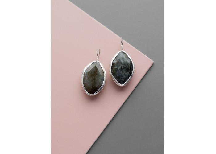 Серьги с листиком лабрадорита // серебро