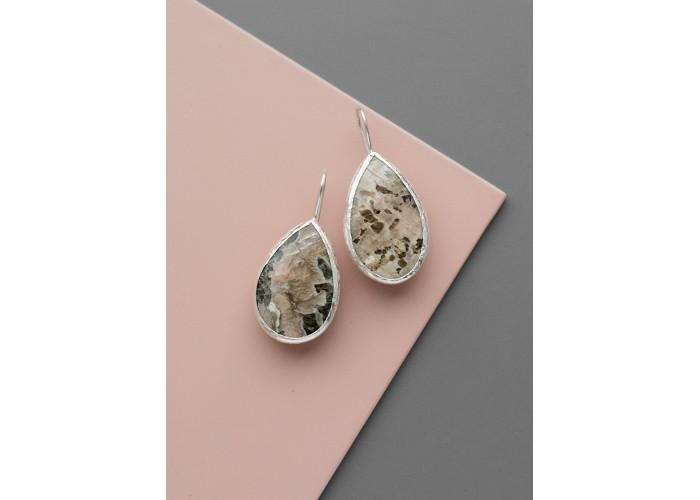 Серьги с пегматитом // серебро