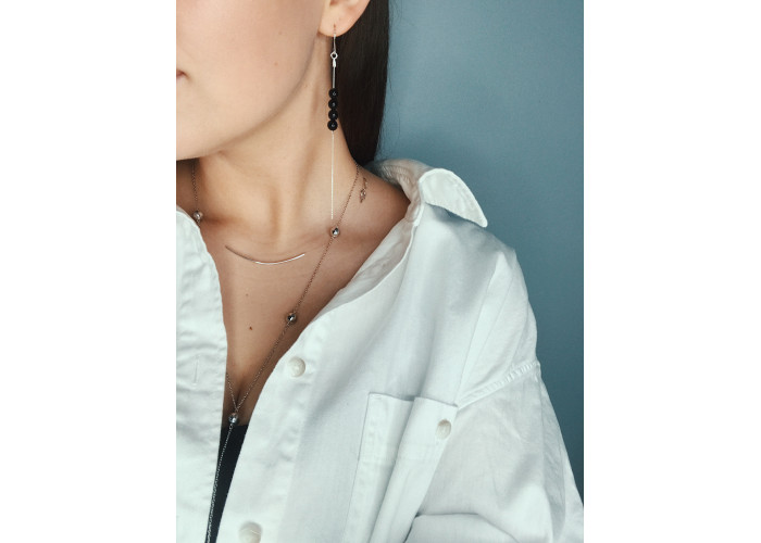 Серёжки-цепочки с бусинами из чёрного агата // серебро