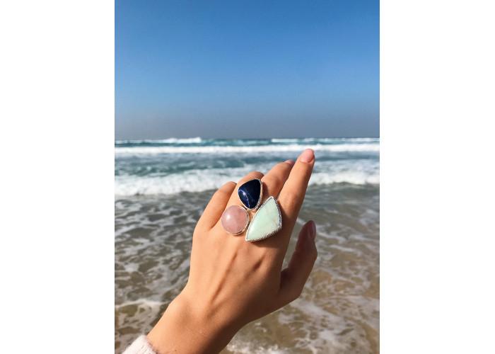 Кольцо с бериллом, кварцем и тангезитом // серебро