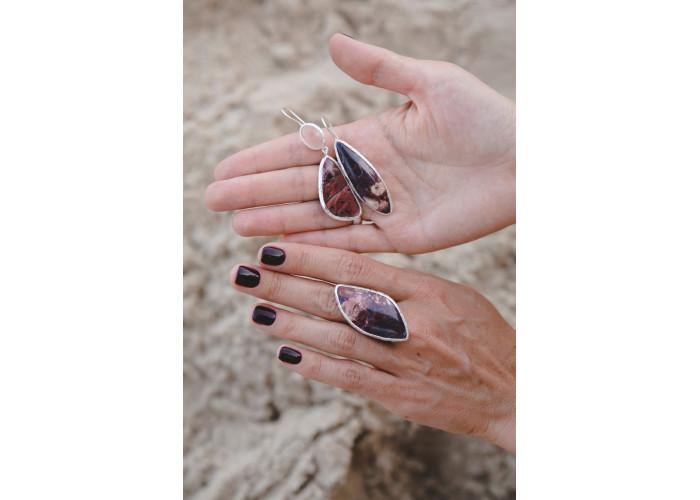 Кольцо с бордовой яшмой // серебро