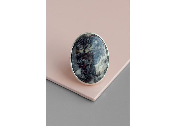 Кольцо овальное с сефтонитом // серебро