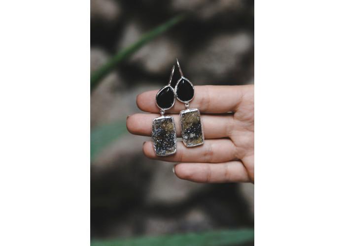 Серёжки с чёрным агатом и щёткой граната // серебро