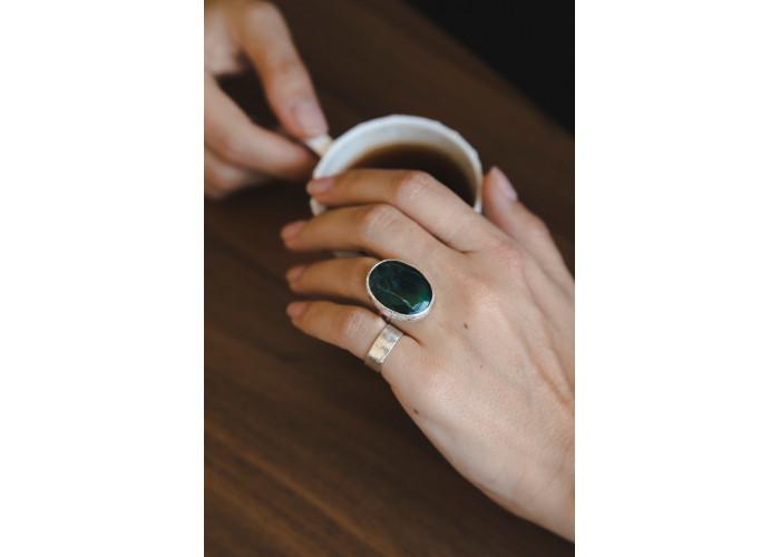 Кольцо с овальным морским офитом // серебро