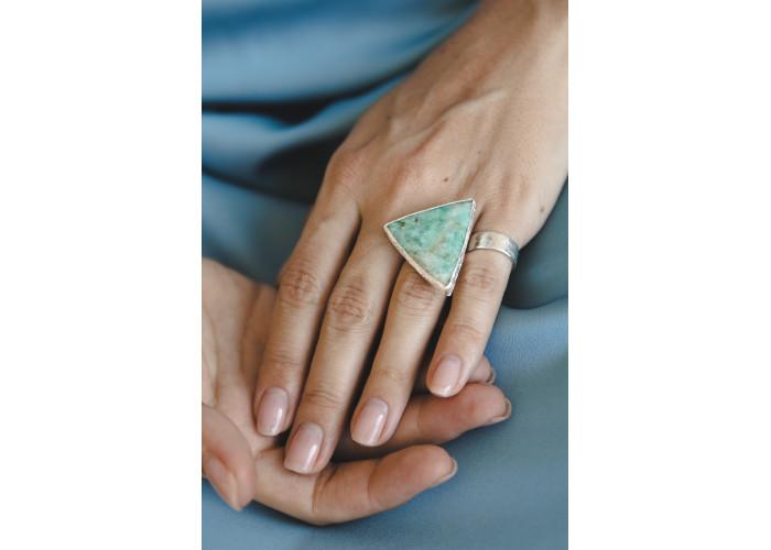 Кольцо с треугольным амазонитом // серебро