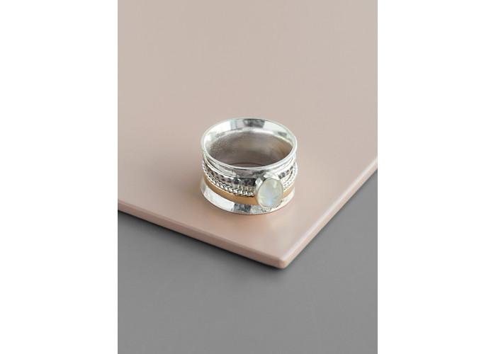 Комплект: серёжки-цепочки с бусинами беломорита и кольцо-спиннер с лунным камнем // серебро с позолотой