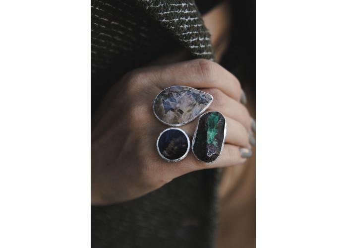 Кольцо с лунным камнем, флюоритом и малахитом // серебро