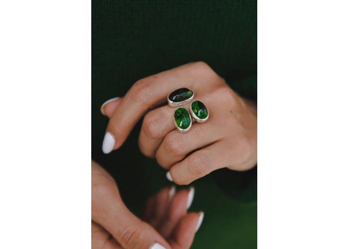 Кольцо Молодая зелень // серебро